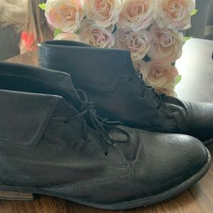 Steve Madden Black Leather Shoes